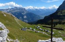 Chalets de Vormy et vue sur le Mont Blanc